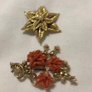 Vintage brooches for holidays!